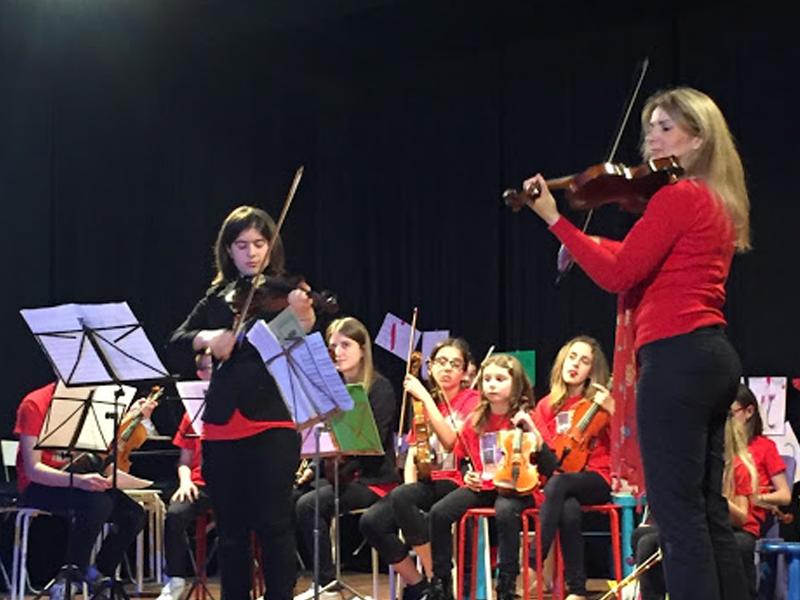 Esine 1 ottobre: Orchestra Violini