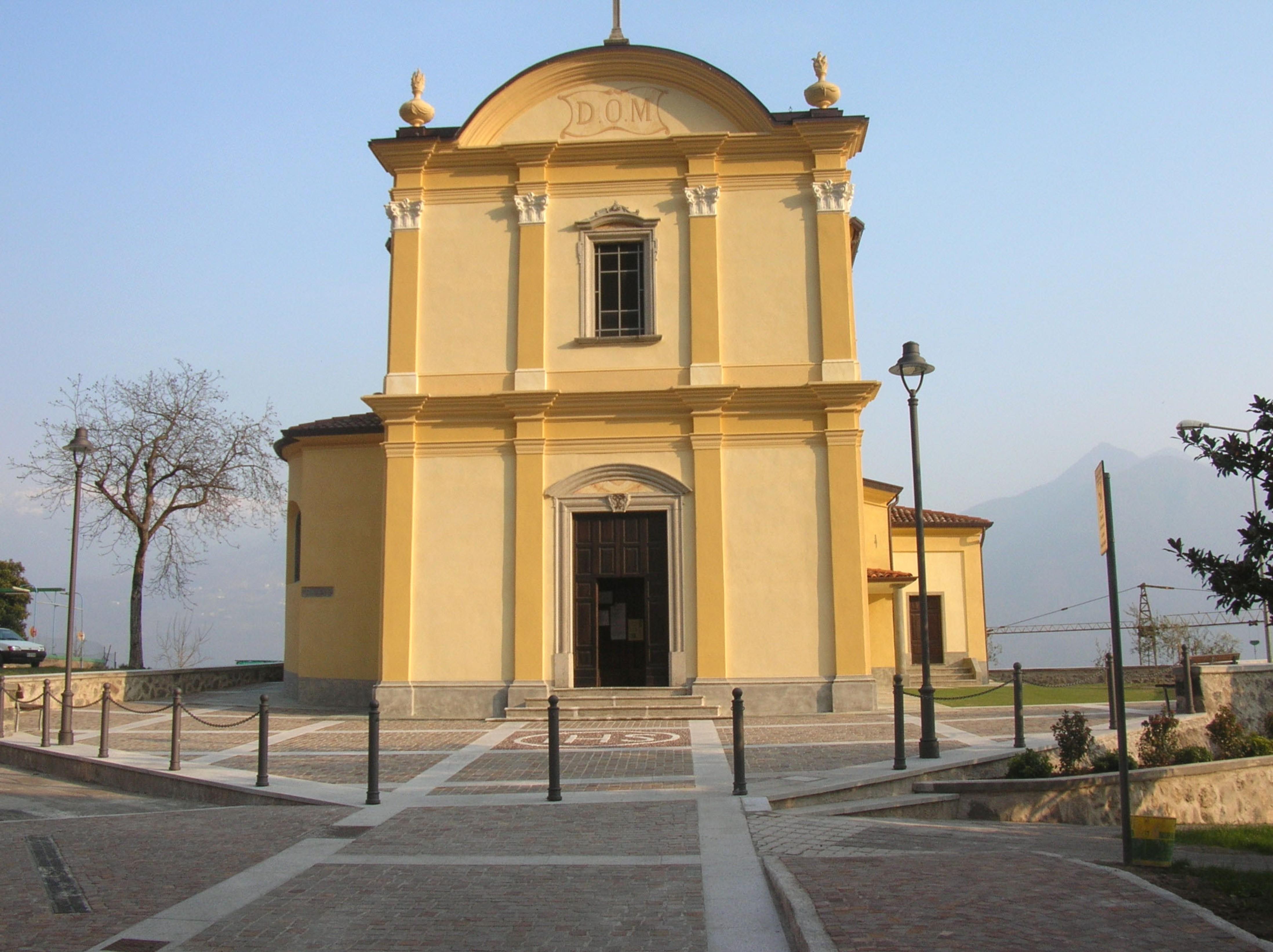 foto facciata chiesa ultimata