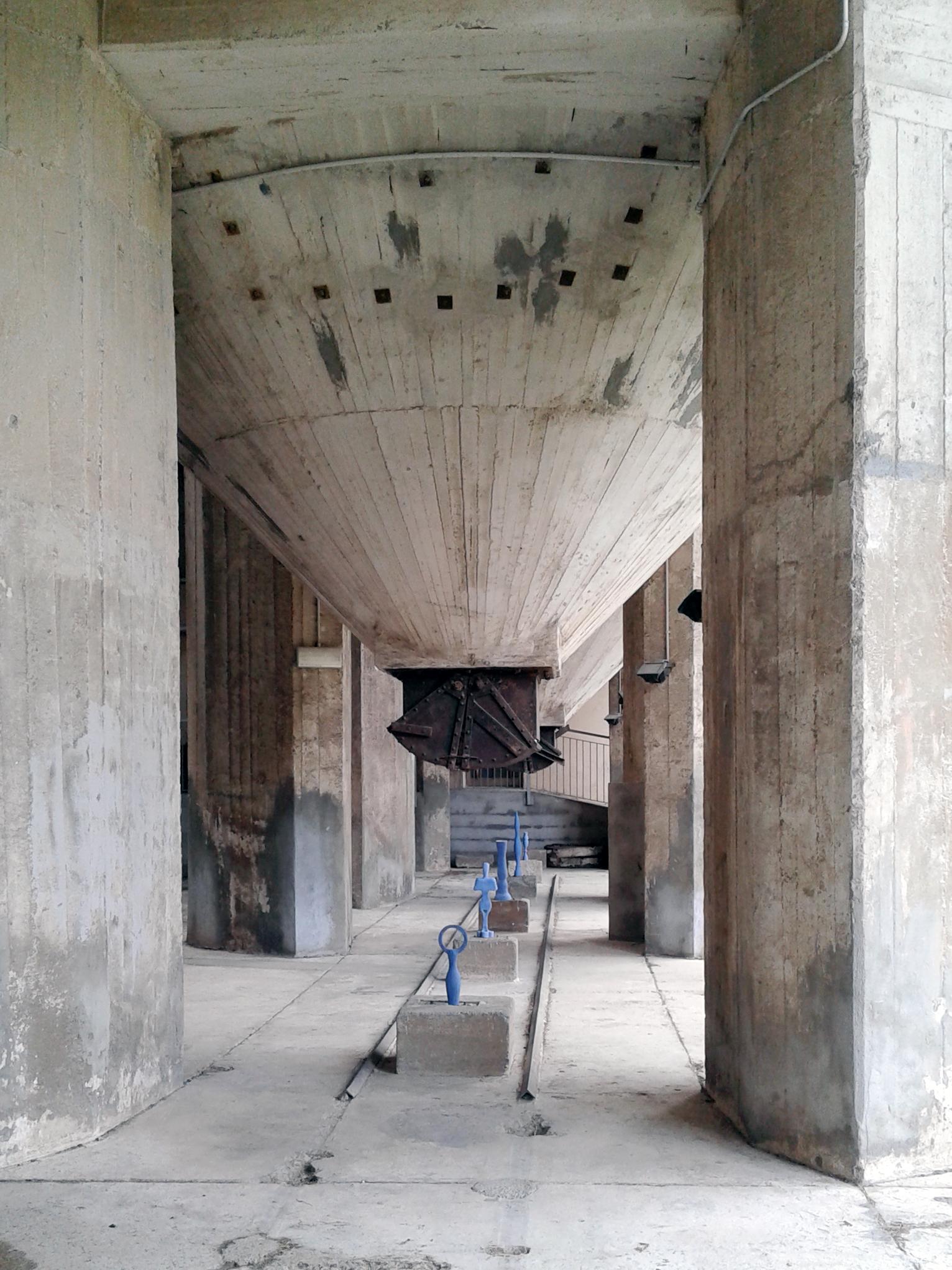 piano-terra-fornaci-installazione-di-Alberto-Mugnaini